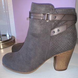 MADDEN GIRL NEW SUEDE TAUPE ANKLE BOOTIES